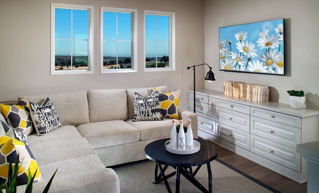 23bright-space-living-room-model-home-1024x620