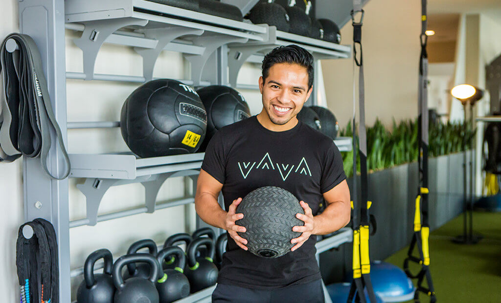 fitness-instructor-medicine-ball-workout