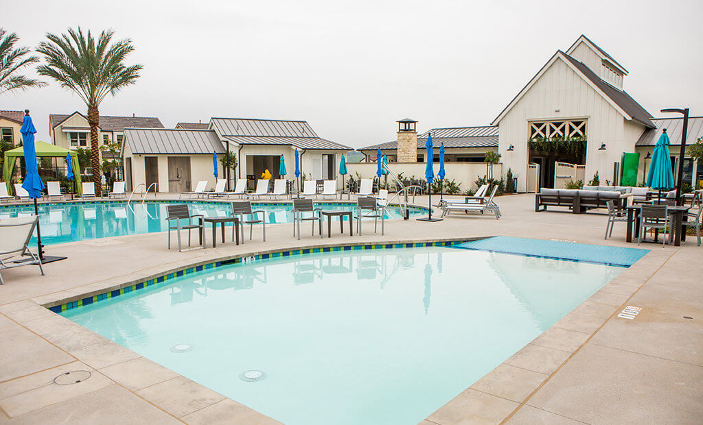 orchard-club-outdoor-swimming-pools