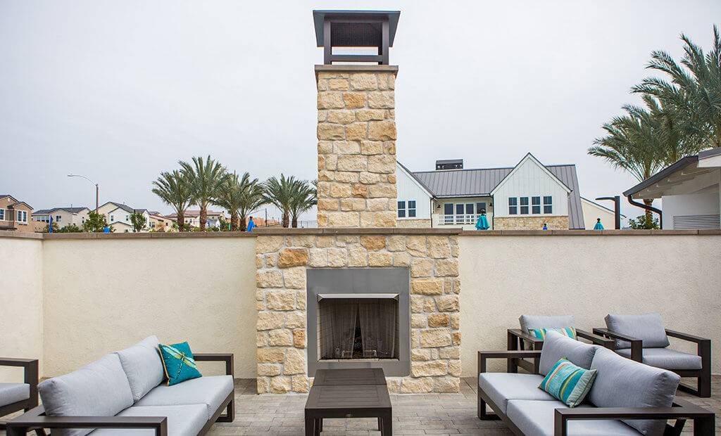 outdoor-fireplace-lounge-area